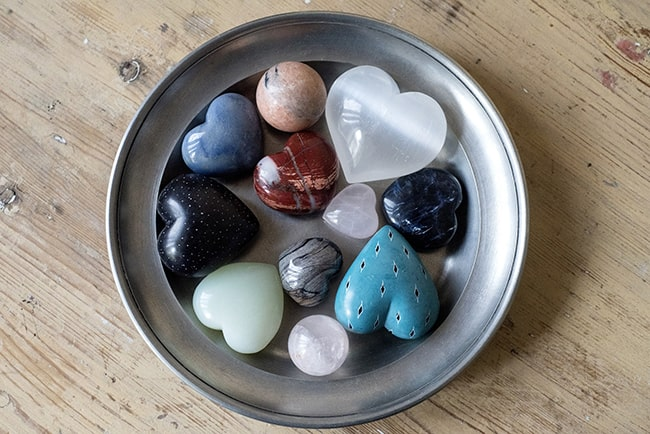 Healing Crystals - Crystal Hearts and Crystal Spheres - Image Source: marsjo / Pixabay