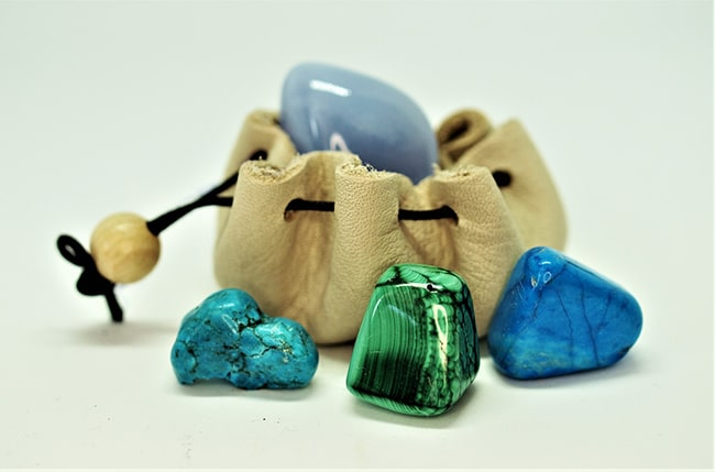 Tumbled Stones Intention Bags / Image by Sue Rickhuss from Pixabay