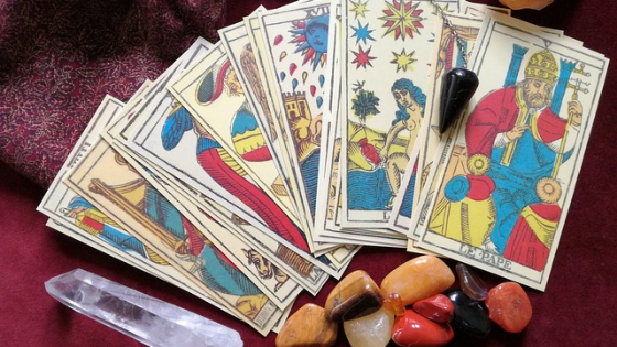 Using Crystals to Enhance Your Tarot Readings