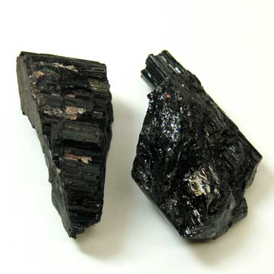 I Dont Really Know The Difference Between Onyx Obsidian And Black Tourmaline Also Read One Of Your Caution Article About Contains